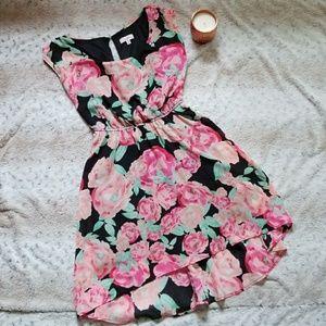 5/$25 Candie's Floral Dress Junior's Medium